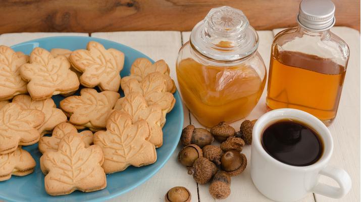 Canadian Specials: L.B. Maple Treat Cookies