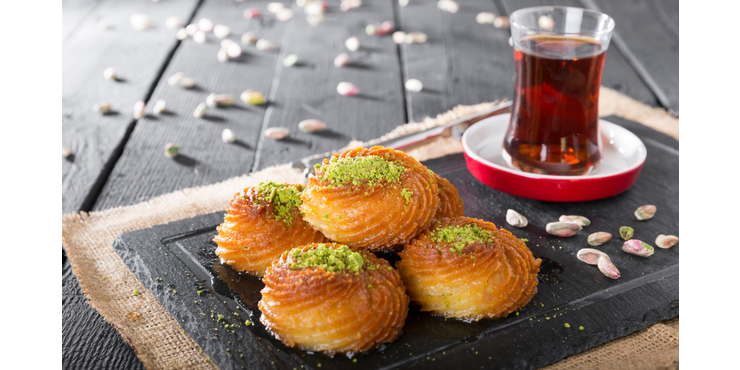 Şekerpare biscuit: ''The main guest'' of Turkish tables