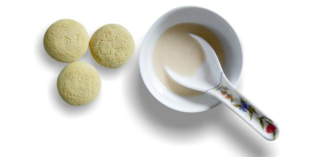 Infant rusks dispersed in a warm fluid