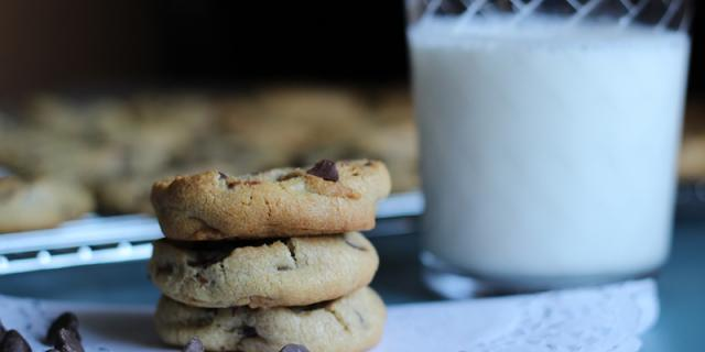 Chocolate chips and milk