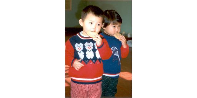 Children eating rusks