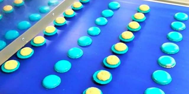 Dosing and sandwiching technology for macarons