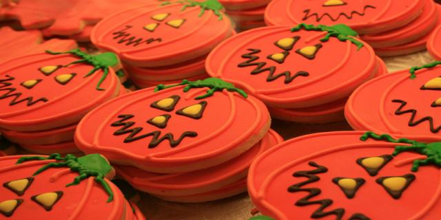Halloween pumpkin biscuits
