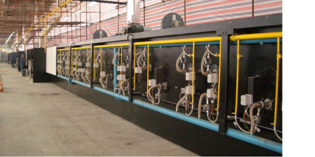 Oven assembly with completed baking chambers and burners