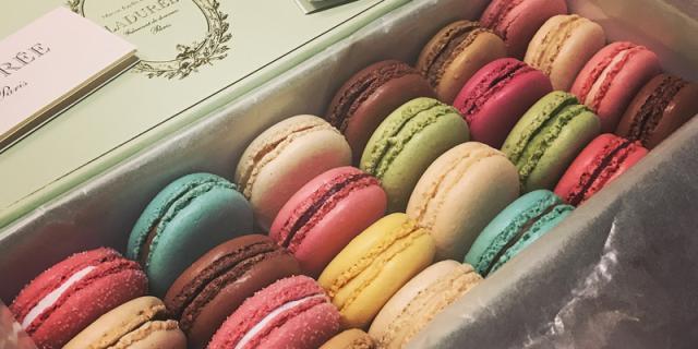 Macaron cookies
