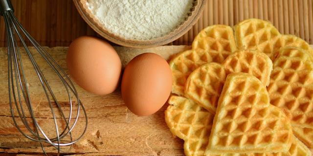Emulsifier in baking