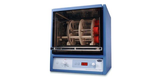 Oven with hot air