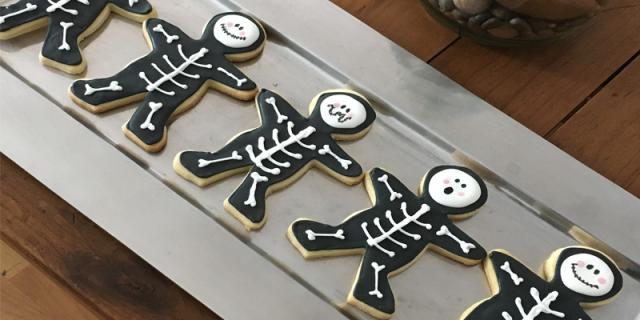 Skeleton Halloween biscuits