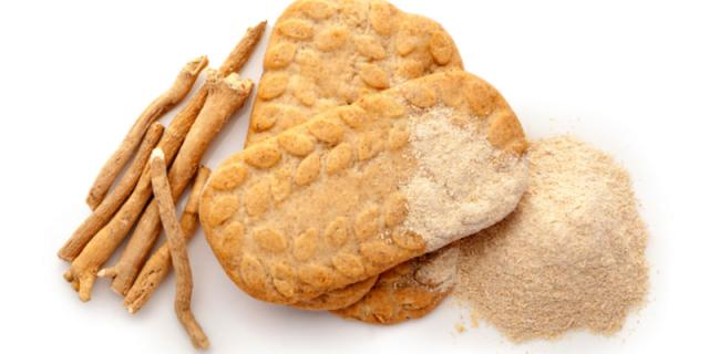 Ashwagandha cookies with roots and powder